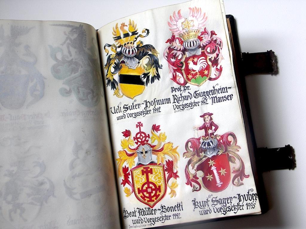 Heraldikmalerei im historischen Wappenbuch der E.E.Zunft zu Gartnern Basel